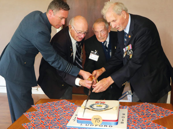 101 squadron cake cutting